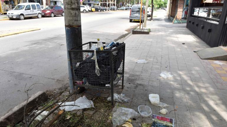 Yofre. Mayor generación de residuos, que quedan a la vista. (Pedro Castillo)