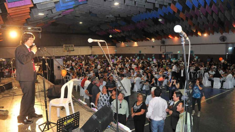 FIESTA DEL CANILLITA. Los trabajadores festejaron su día a lo grande y junto a sus familias (La Voz / Sergio Cejas).