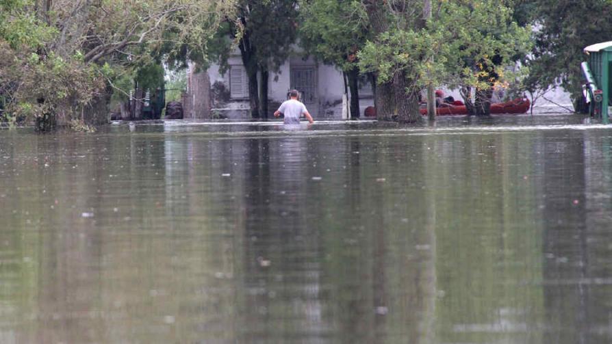 TEMPORAL EN IDIAZÁBAL. Evacuaron más de un tercio de su población (La Voz).
