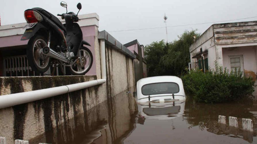 TEMPORAL EN IDIAZÁBAL. El miércoles llovieron cerca de 100 milímetros, sumados a los 180 de semanas atrás (La Voz).