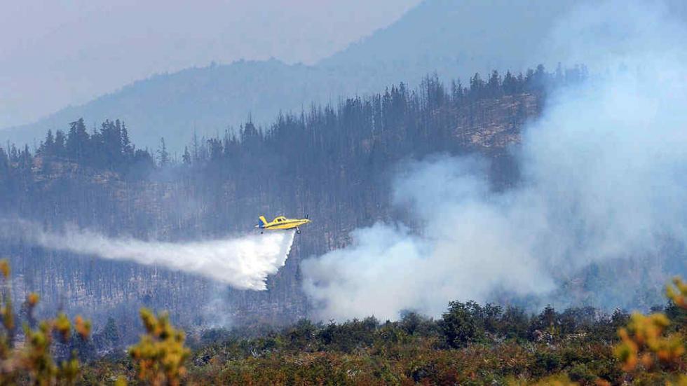 Logran contener foco principal de grave incendio en Chubut